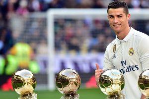 """Ronaldo mua phải """"trinh nữ giả"""" Indianara Carvalho"""
