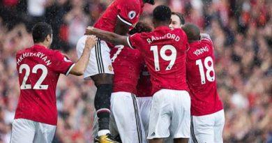 Cùng điểm, cùng hệ số và bàn thắng, MU vẫn xếp sau Man City vì lí do khó đỡ