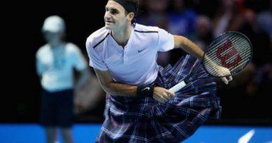 Tin quần vợt: Mặc váy Scotland thi đấu, Federer hạ gục Andy Murray