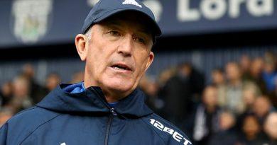 West Brom bất ngờ sa thải HLV Tony Pulis