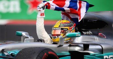 Tin đua xe: Lewis Hamilton lên ngôi tại giải Công thức 1 sớm 2 chặng đua