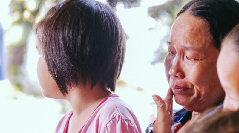 Bé 8 tuổi đi lạc khi tự bắt xe buýt đi tìm mẹ đã trở về sau 2 tháng