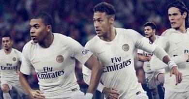 Neymar mặc áo mới PSG