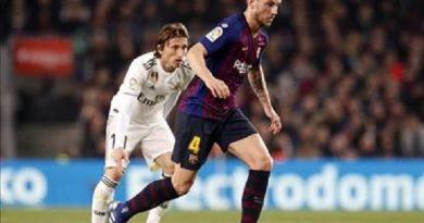 Barca bất ngờ từ chối chuyện đàm phán gia hạn với Rakitic