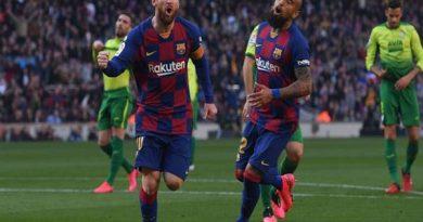 Siêu sao Lionel Messi giúp Barcelona hủy diệt đối thủ Eibar