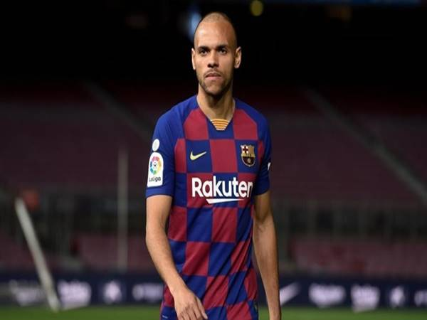 tin-bong-da-sang-1-9-braithwaite-xin-mang-ao-so-10-messi