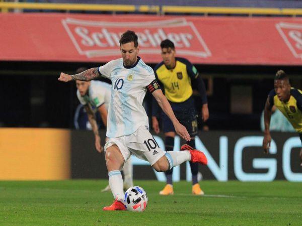 Tin bóng đá tối 10/10: Messi ghi bàn giúp Argentina thắng trận ra quân