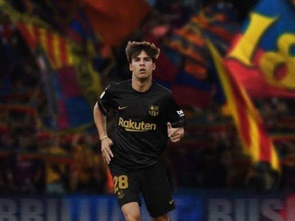"""Tin bóng đá 24/11: """"Iniesta mới"""" thẳng tiến đến Ngoại Hạng Anh"""