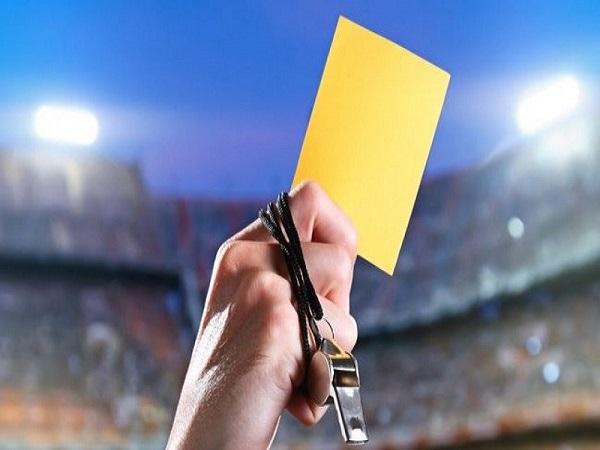 Thẻ vàng trong bóng đá và những điều cần biết về thẻ vàng?