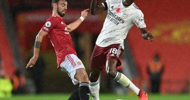 Tin bóng đá 17/4: Scholes cảnh báo MU khả năng đối đầu Arsenal