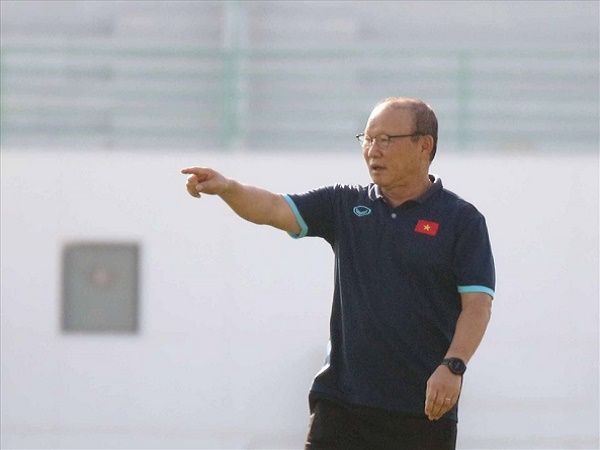 Bóng đá Việt Nam tối 4/6: HLV Park Hang Seo cảnh giác với đối thủ UAE