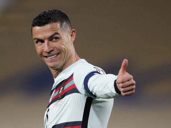 Tin bóng đá 1/7: Ronaldo gặp Juventus chốt tương lai